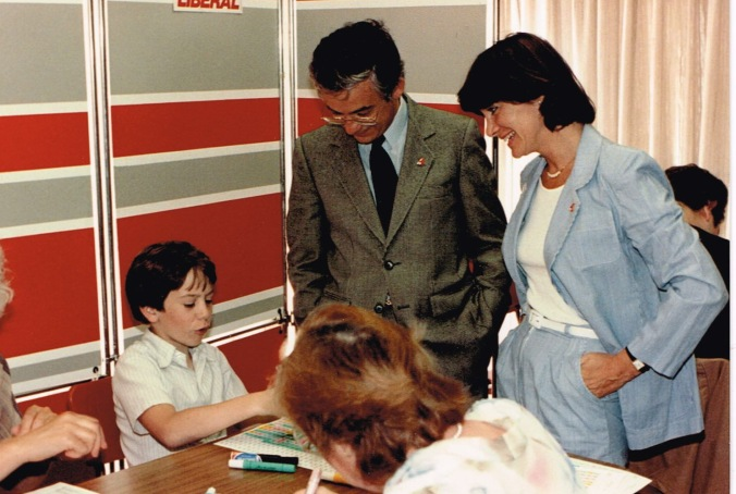 Mon fils Éric et mon épouse Marie-France Rochon la veille de l'élection, le 2 juin 1985