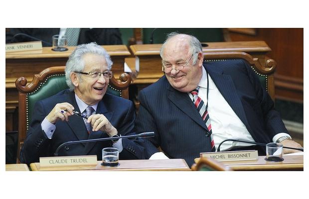 Un moment de détente au conseil avec Michel Bissonnet, 2012