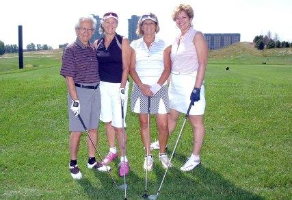 Première partie de golf à l'IDS, 2011