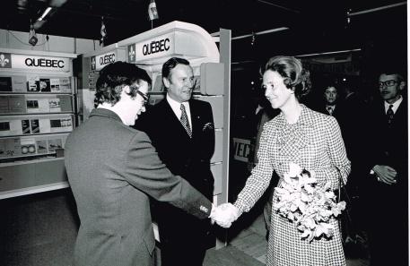 Accueillant la Reine Fabiola de Belgique, Foire du livre 1978