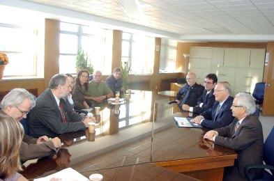 Rencontre avec groupes sociaux, 2005